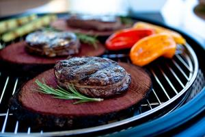 CHERRY-PLANKED RIB-EYE STEAK
