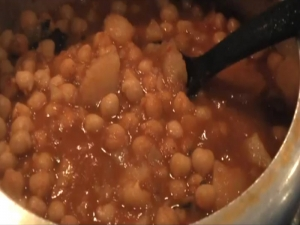 Aloo Chana Curry / Potato Chickpea Curry