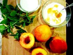 Peach Cardinale