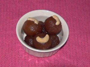 Gulab Jamun - Mouth Melting Indian Dessert
