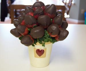 Creamy Chocolate Dipped Strawberries