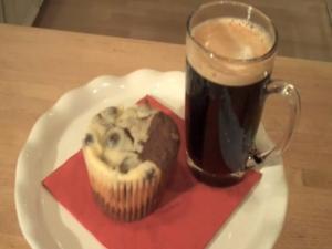 Killer Black & White Cupcakes: Cupcake Show #2