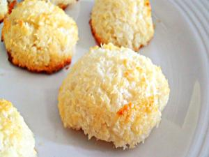 Eggless Coconut Macaroon Cookie