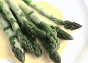 Asparagus With Cheese Sauce