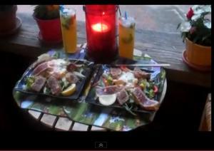 Seared Sesame Tuna with Vegetable Salad