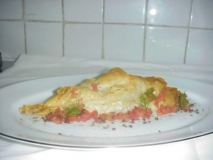 Phyllo cones with spinach and ricotta filling ,salsa