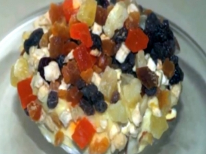 Brie with Mascarpone Cheese and Dried Fruit