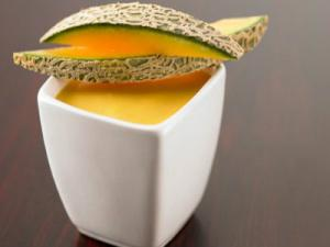 Raw Curried Cantaloupe Melon Soup