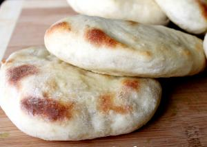 Fluffy Homemade Pita Bread