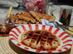 How to Make Peanut Butter & Jelly Waffles