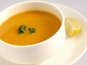 Masoor Dal Soup (Bombay Curry Soup)