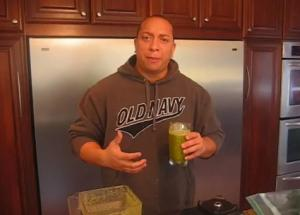 Healthy Raw Apple Spinach Shake
