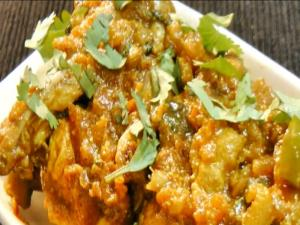 How to Make Bhuna Chicken - Indian Chicken