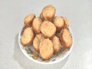 Creamy Rosemary Biscuit Bites