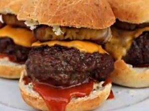 Big Kahuna Sliders: English Grill and BBQ