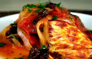 Mexican Chicken With Tomato Raisin Sauce