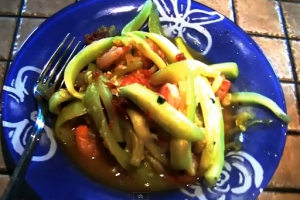 Zucchini Noodles with Tomato and Shrimp Sauce