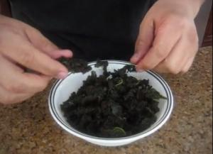 Raw Spicy Kale Barbecue Style Kale Chips