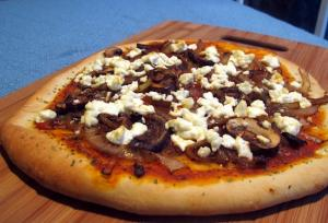 CARAMELIZED ONION, MUSHROOM AND GOAT CHEESE PIZZA