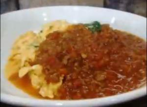 Nira Tama in Meat Sauce