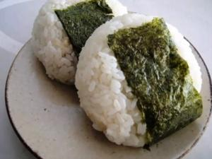 Negi and Dried Bonito Riceball