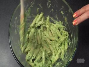 How to Make Pesto & Goat Cheese Pasta