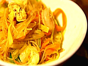 J's Pancit Bihon Guisado Recipe - Easy Filipino Cooking