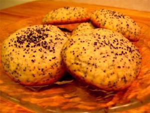 Poppy Seed Mace Cookies