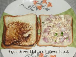Pyaz Green Chili And Paneer Toast