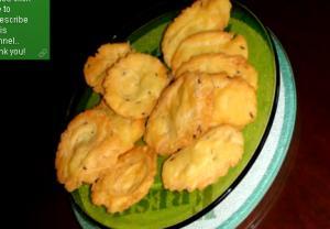 Banana Puris or Farsi Puri or Puff Pooris or Crispy Layered Puris