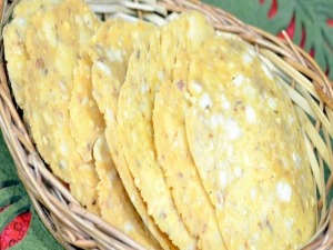 Pappu Chekkalu / Nippatlu / Papu Billalu - Indian Crackers / Andhra Snack