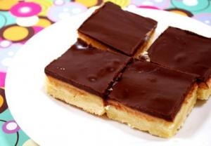 Gooey Caramel Chocolate Bars