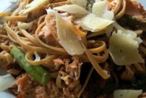 Linguine with Grilled Salmon and Asparagus Cream Sauce