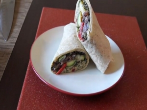 The Sexy Vegan Cooking - Episode #35 - How to Make A Wrap