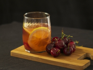 Stemilt American Cherry Bourbon punch
