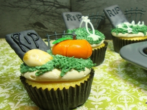 Episode 137 - Halloween Cupcake Inspiration