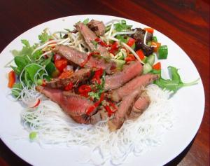 Urbankitchen - Thai Beef Salad