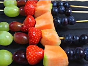 How To Make Rainbow Fruit Skewers