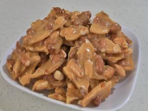Amazing Microwave Peanut Brittle