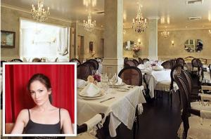 Get Into Eating In Celebrity Restaurant Fad!