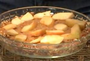 Organic Raw AppleAnd Date Pie