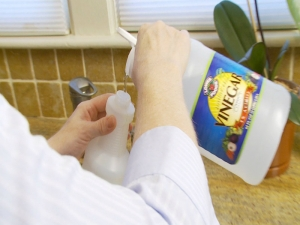 How to Clean with Vinegar