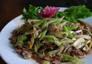 Paper Thin Lamb With Garlic And Spring Onions