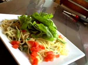 """The Sexy Vegan Cooking - Episode #4 - """"Creamy"""" Asparagus Pasta"""