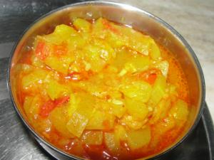 Tinde Gravy Wale (Indian Round Gourd Curry)