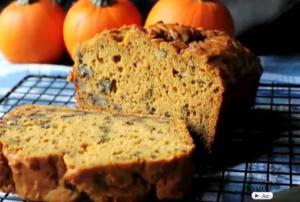 Holiday Pumpkin Bread with Walnuts