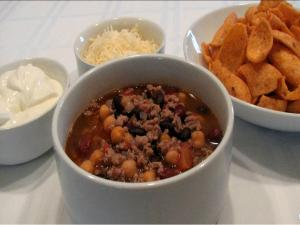 Three Amigos Chili -- Lynn's Super Bowl