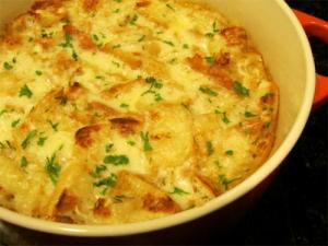 Scalloped Onions with Cheese