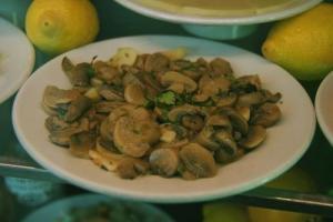 Spicy Mushrooms And Leeks