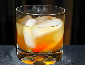 Exotic Bluegrass Cobbler Cocktail